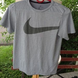 Boys Nike Shirt.